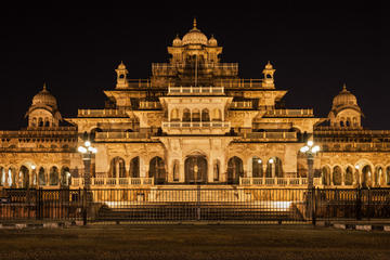 Private Night Tour of Iconic Jaipur and Dinner with a Noble Rajput...