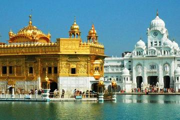 Private Wagah Border Drama and the Golden Temple with Transfer