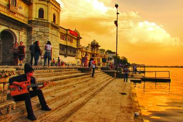 Udaipur, The City of Lakes - A Heritage Walk with private transfers