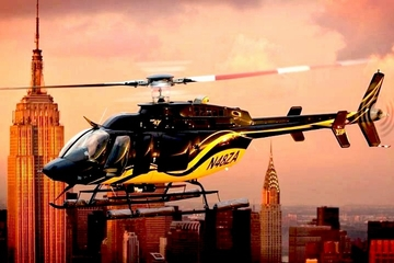 Scenisk helikoptertur over Manhattan i New York
