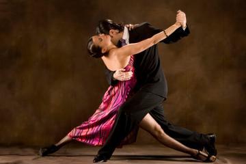 Tangovorstellung in Buenos Aires, Abendessen und Tanzunterricht