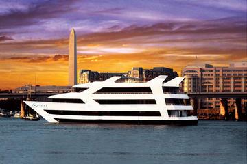 Crucero al atardecer con cena tipo bufé en Washington D.C.