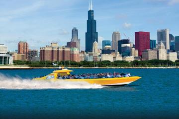 Schnellbootfahrt auf dem Lake Michigan