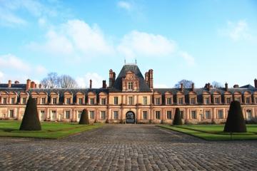 Bilhete de entrada ao Chateau de Fontainebleau com transporte saindo...
