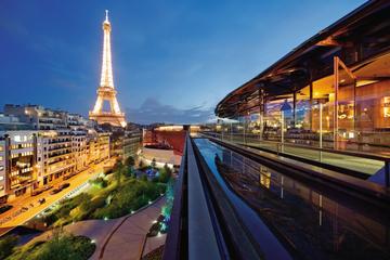 Boottocht over de Seine en diner met uitzicht op de Eiffeltoren bij ...