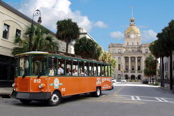 Hop-on-Hop-off-Trolley-Tour in Savannah