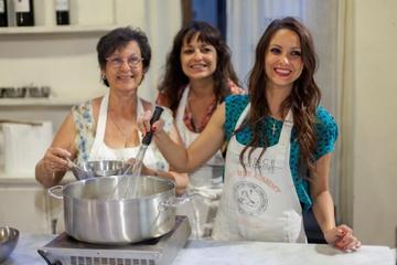 In einer kleinen Gruppe italienischer Kochkurs in Florenz