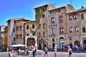 Viagem de um dia para grupos pequenos à Toscana com jantar Chianti...