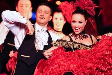 Esclusiva Viator: Paradis Latin Cabaret con posto VIP esclusivo, cena