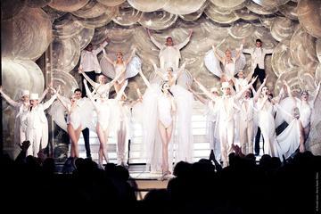 Paradis Latin de Paris: Espetáculo e Menu de Véspera de Ano-Novo