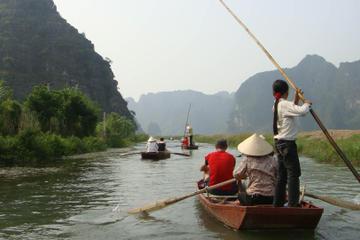 Recorrido por la campiña vietnamita en grupos pequeños en bicicleta y...