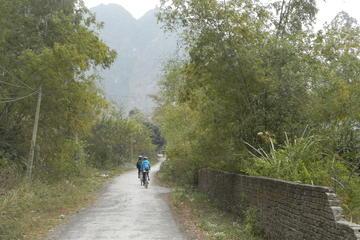 Visite en vélo d'une demi-journée en petit groupe dans la campagne de...