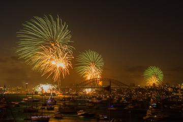 Großsegler-Bootsfahrt mit Abendessen durch den Hafen von Sydney zu Silvester