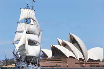 Lunchkryssning på segelfartyg i Sydneys hamn