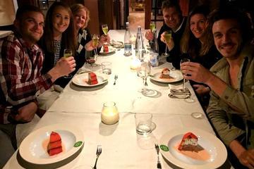 Cena con degustazione di vini nella campagna toscana e tour notturno
