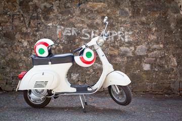 Tour di Firenze in Vespa: colline toscane e cucina italiana