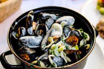 Excursão noturna a pé por Bruxelas: Alimentos gourmet belgas