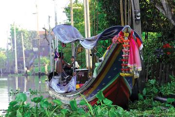 バンコクの王宮とチャオプラヤー川運河クルーズ小…