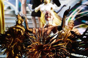 Lido de Paris: Espetáculo e Menu de Véspera de Ano-Novo