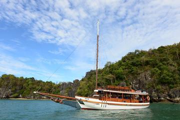 Premier Yacht - 5 Hour Langkawi Cruising Experience