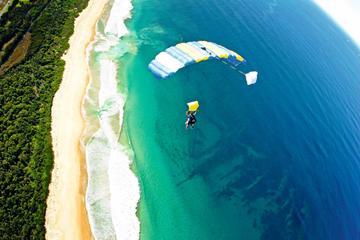 Salto de paraquedas duplo em Wollongong saindo de Sydney