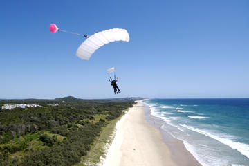 Skydive over Sunshine Coast with Beach Landing