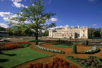 Tallinn Shore Excursions: Old Town and Kadriorg Palace