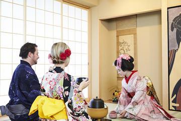 Geisha & Maiko tea ceremony in Osaka
