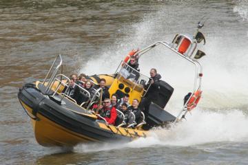 Crucero de alta velocidad por el río Támesis