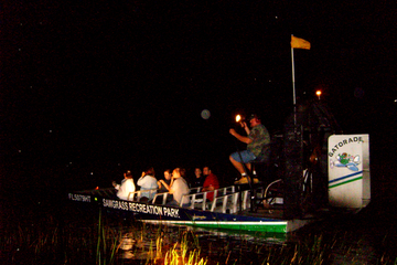 Visite privée nocturne : excursion en hydroglisseur dans les...