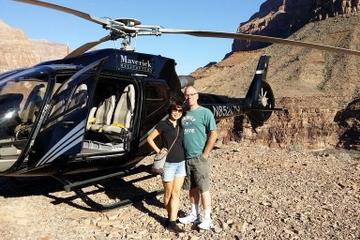 Grand Canyon: survol en hélicoptère du plateau ouest et atterrissage