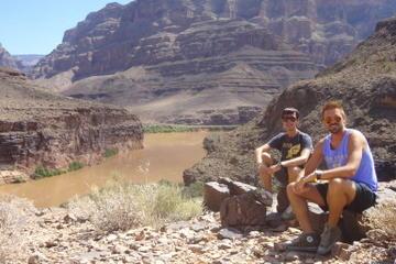 Viator Exklusiv: Hubschrauberrundflug über den Grand Canyon mit...
