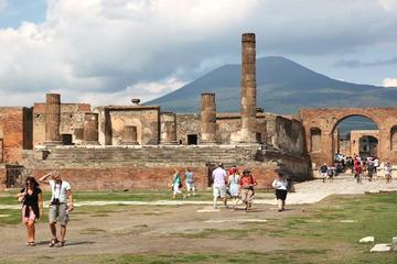 Pompeii and Mount Vesuvius day trip by boat from Sorrento