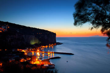 Sorrento Coast Boat Tour at Sunset with dinner in a typical restaurant
