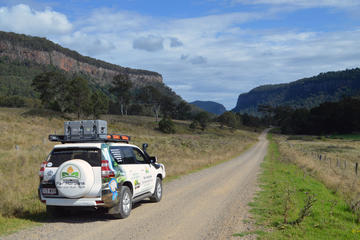 Cambanoora Gorge and Queen Mary Falls Spectacular 4WD Adventure