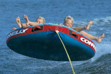 Ski nautique, ski de slalom, planche nautique et tube au Disney's...