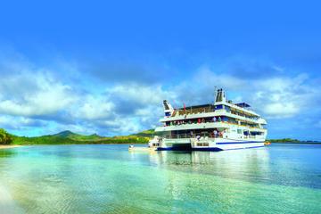 4-Day Blue Lagoon Sightseeing Cruise in Fiji