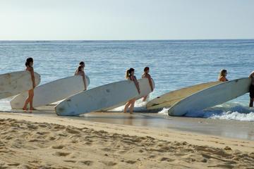 Clase de surf en Puerto Rico
