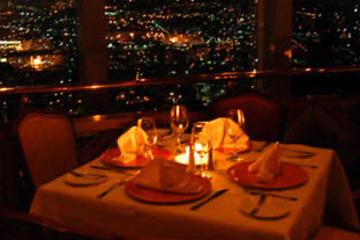 Cena en el restaurante giratorio Bellini en Ciudad de México