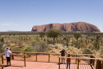 Excursión para grupos pequeños a Uluru con vistas del atardecer