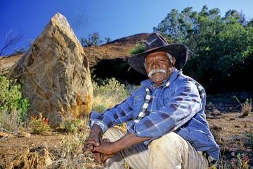 Experiencia cultural aborigen en Cave Hill desde Ayers Rock