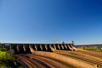 Brazilian Side of Iguassu Falls and Itaipu Dam Full-Day Sightseeing Tour from Puerto Iguazu