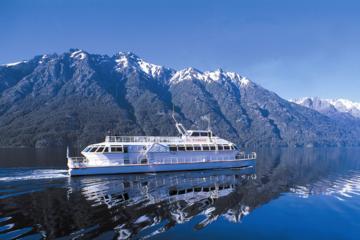 Cruce de lagos andinos desde Argentina a Chile en autobús y en barco