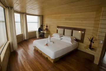 4-Day Amazon River Luxury Cruise from Iquitos on the 'Aqua'