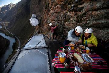 Aventura com acomodação noturna no Skylodge, no Valle Sagrado