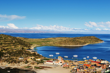 Crucero en catamarán en el lago Titicaca y la Isla del Sol desde Puno