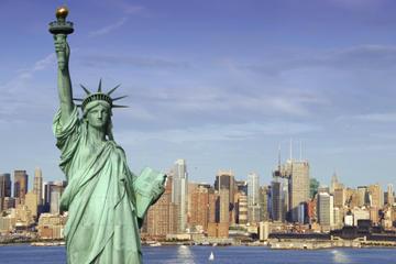 Viator Exclusive: Toegang tot het Vrijheidsbeeld en het 9/11 Memorial