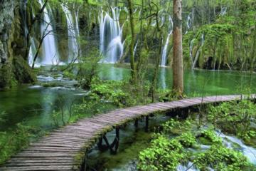 Full-Day Tour of Plitvice Lakes National Park from Zadar