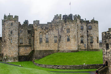 Borders and Alnwick Castle Tour from