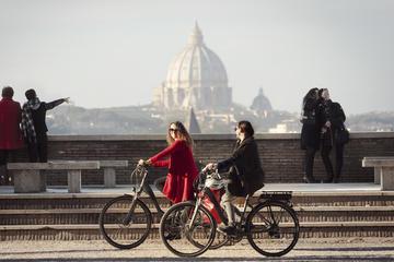 Vistas romanas con bicicleta eléctrica